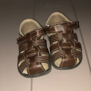 Toddler boy covered toe sandals